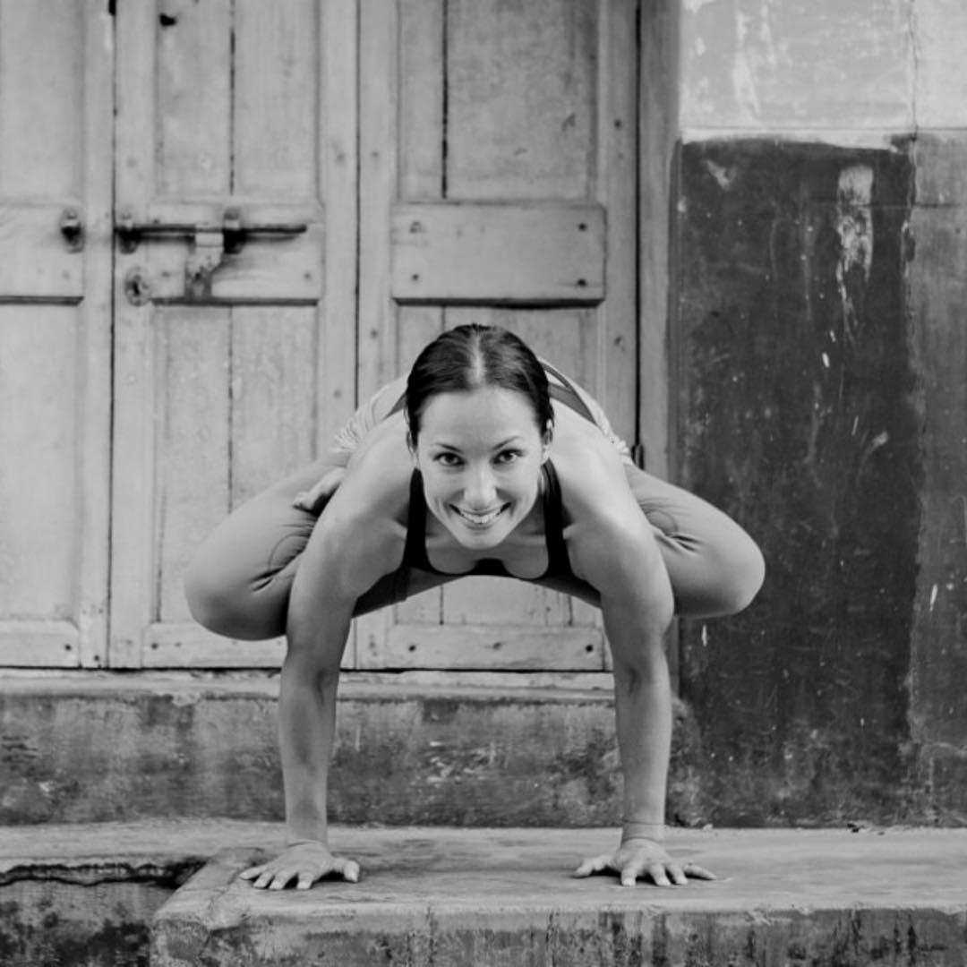 Йога практика сурья намаскар
